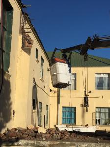 Obras realizando trabajos en sala de máquinas para alojar las nuevas termocentrales (calefacción)