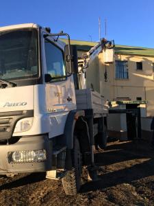Obras y Redes Eléctricas trabajando en tendido eléctrico auxiliar para caloventores